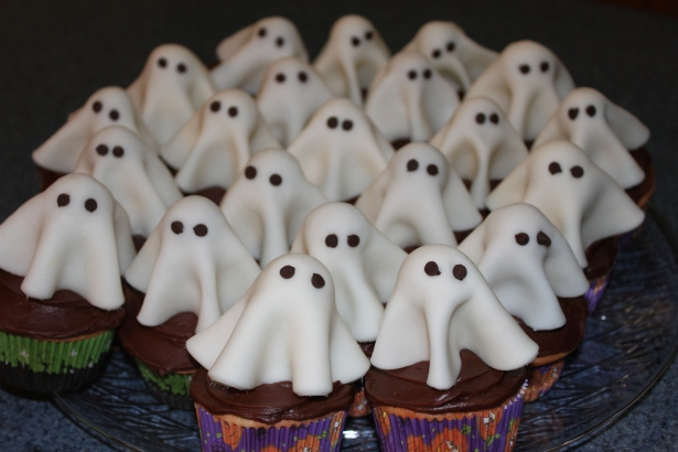 cupcake ghosts 002
