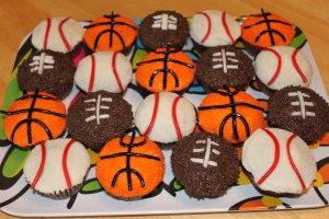 sports cupcakes 002