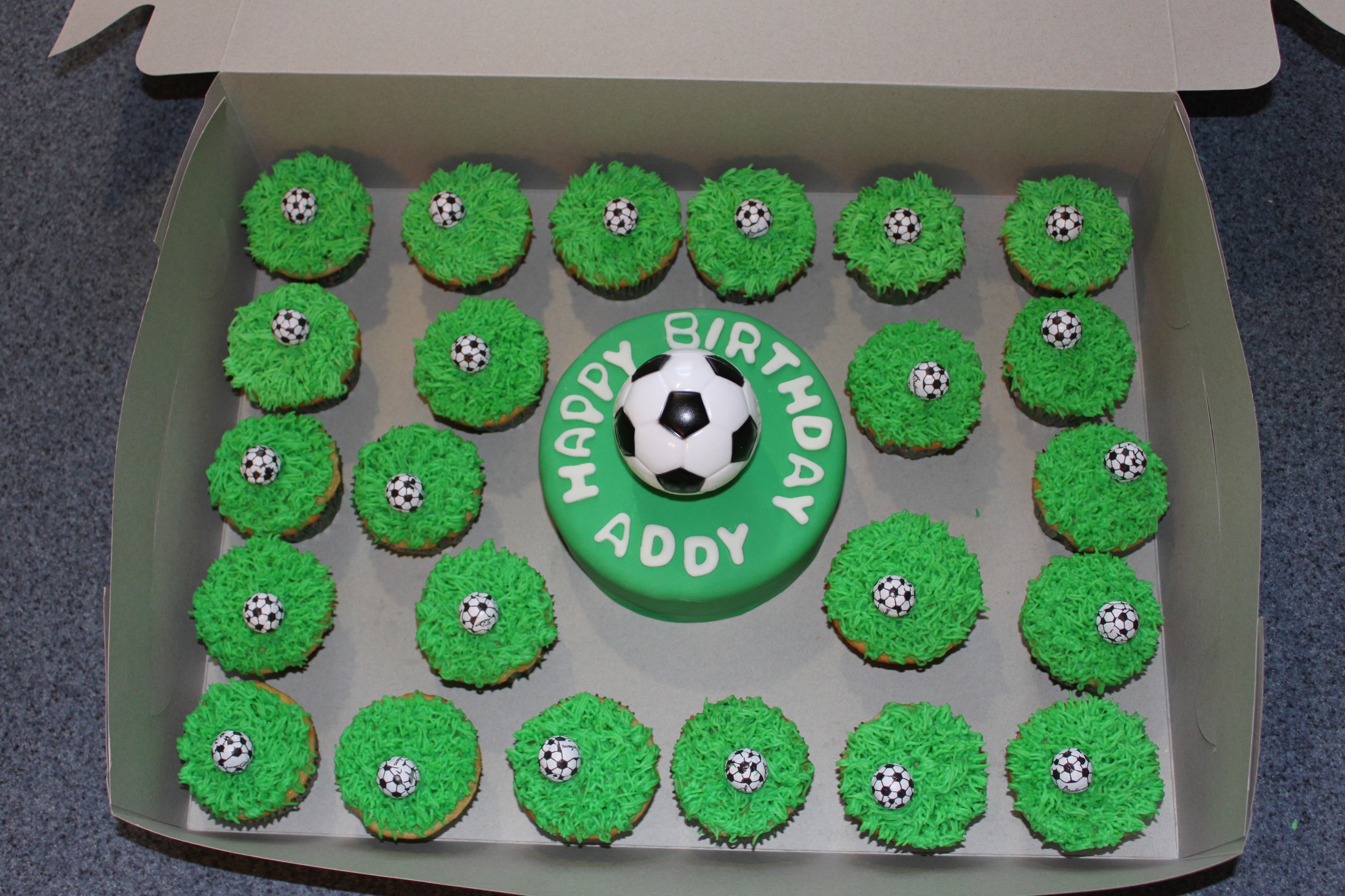 Soccer Mini Cake And Cupcakes