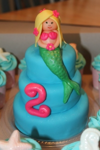 mermaid cake cupcakes, beef taco ring 011