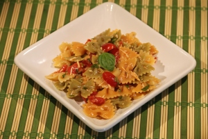 Pasta with Basil, Tomatoes and Garlic