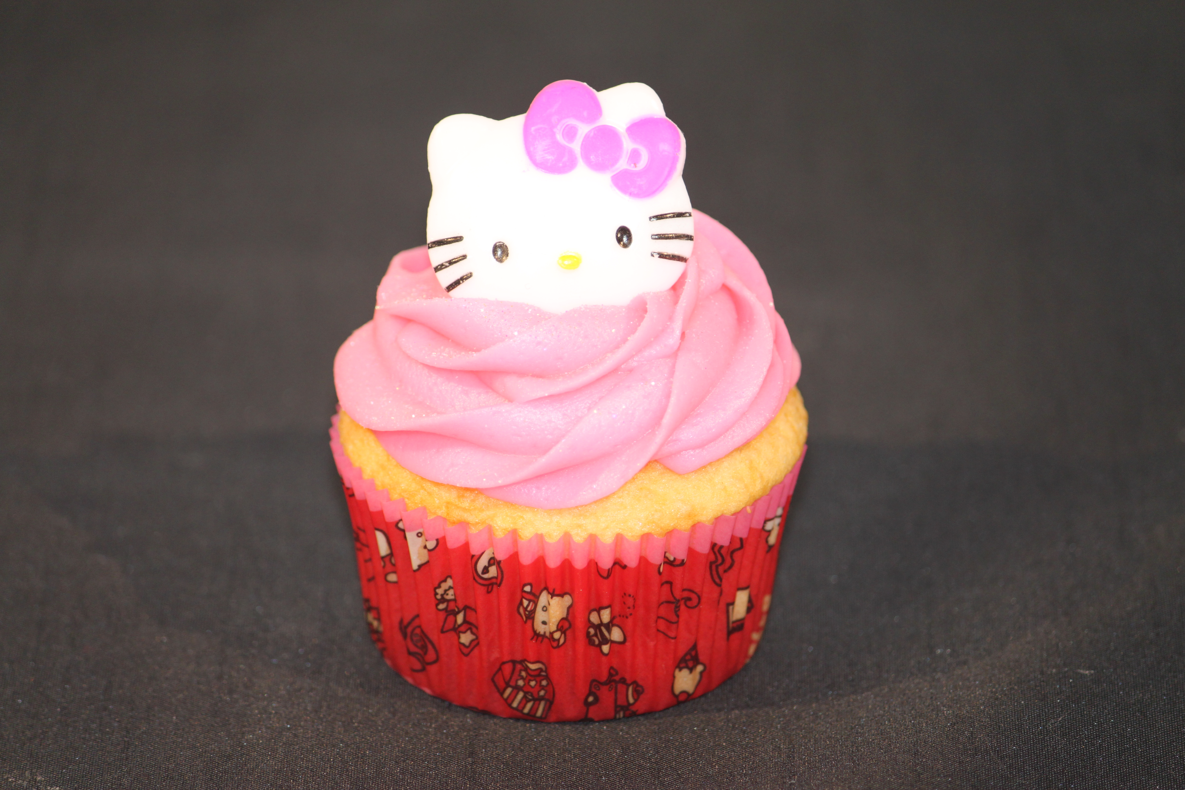 Hello Kitty Fondant Cake And Cupcakes Penny S Food Blog