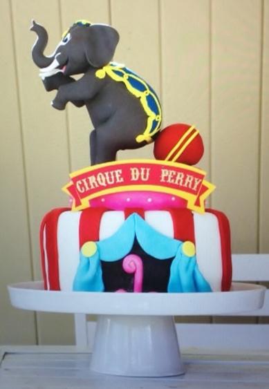 Circus First Birthday Cake & Circus Tent Fondant Birthday Cake | Pennyu0027s Food Blog