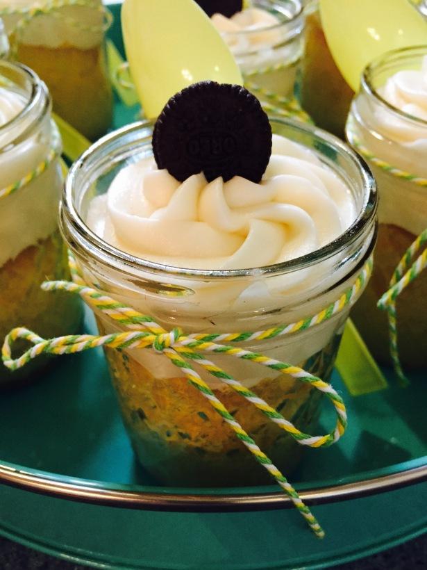 Vanilla Oreo Mason Jar Cakes