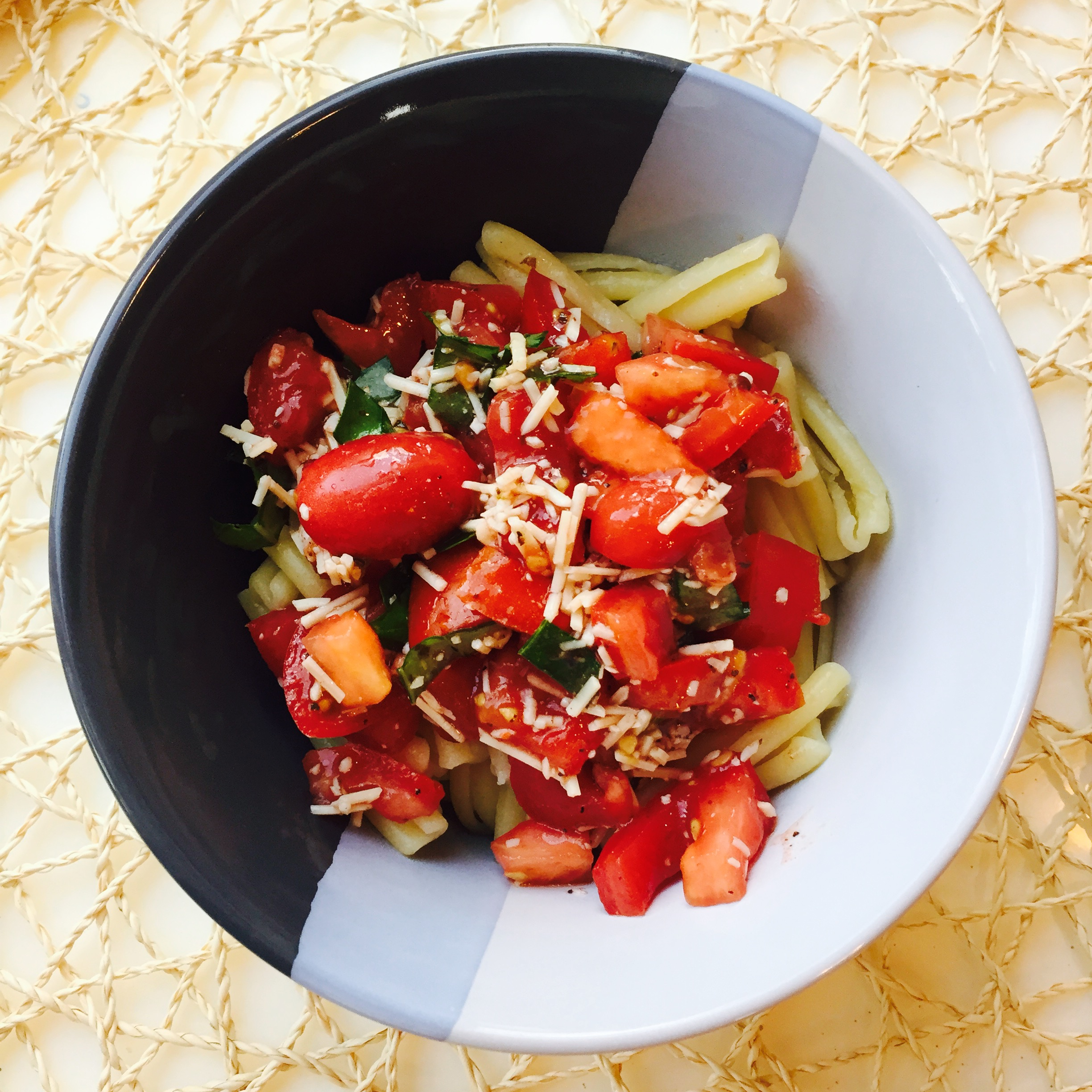 No Cook Fresh Tomato Sauce with Pasta | Penny's Food Blog