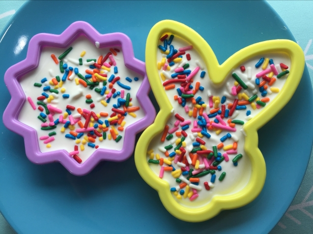 Easter White Chocolate Cookie Cutter Treats