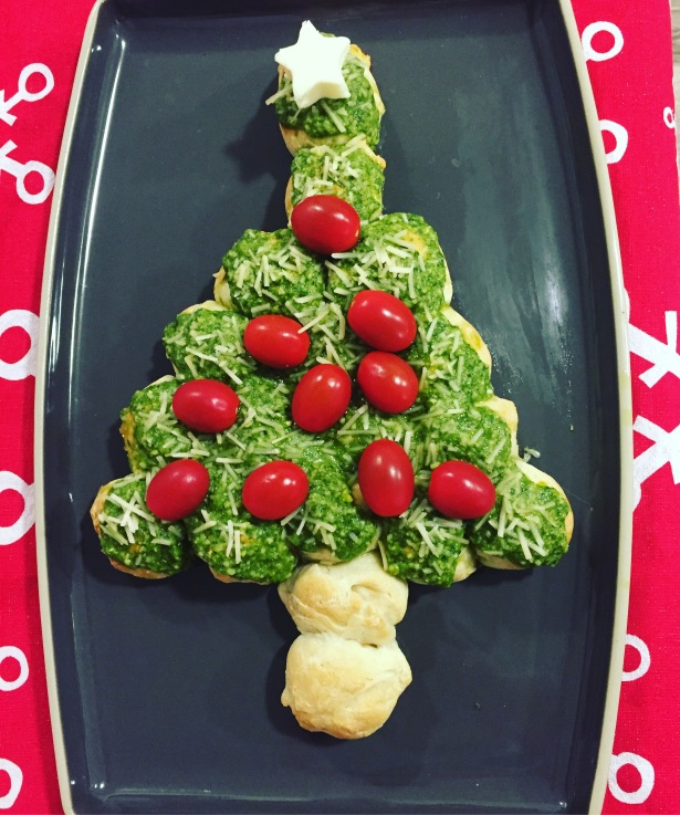 Christmas Tree Pull Apart Bread